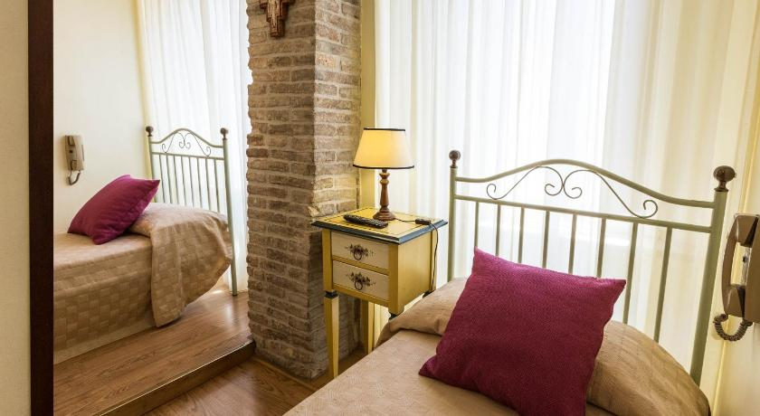 Best Price on Hotel Lieto Soggiorno in Assisi + Reviews