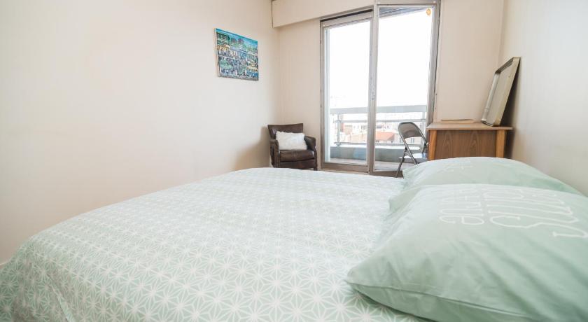 Appartement 3 Chambres sur Oberkampf | Book online | Bed ...