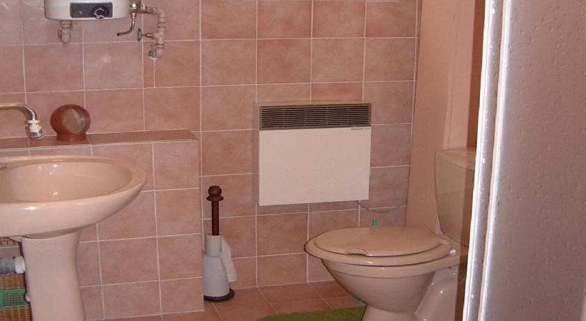 Two-Bedroom Apartment - Bathroom Apartment Loucovice 1