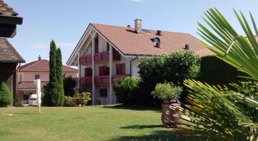 Bed and Breakfast Villa Hallau