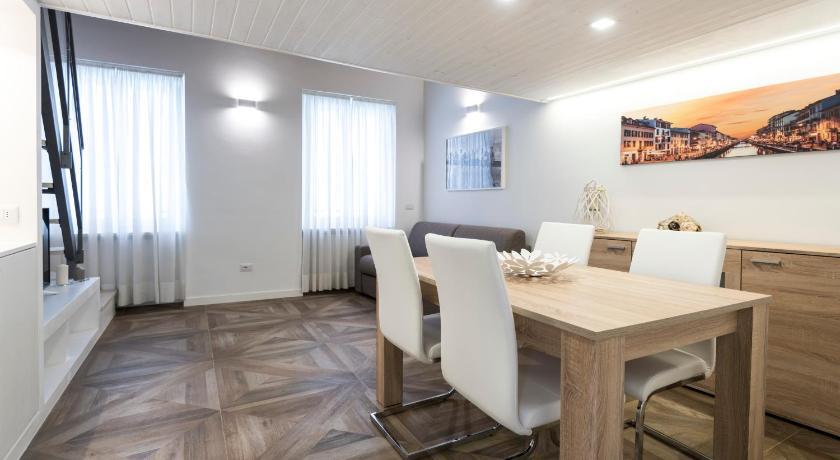 ... Luxury Apartment Milano Centro Via Manfredo Camperio 17 Milan ...