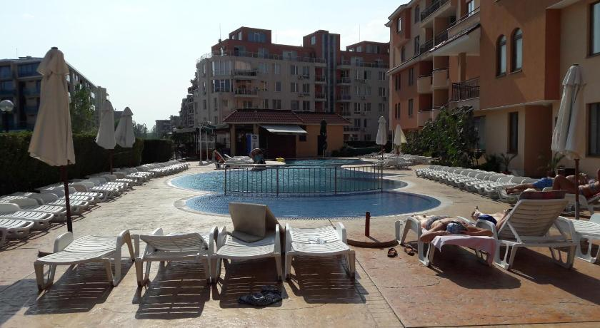 Swimming pool Kasandra Apartment