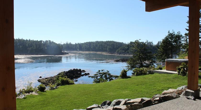 Cygnet Cove Suites 1260 Sunset Point Road, P.O. Box 186 Ucluelet