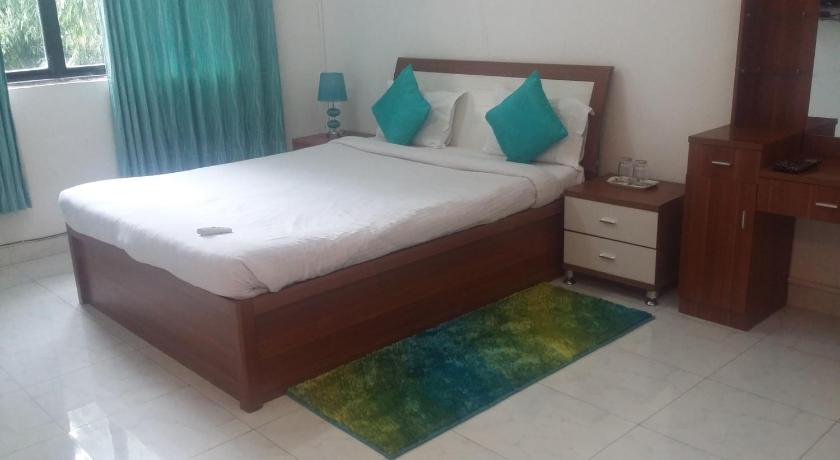 10 Blossoms Service Apartment Riverview Koregaon Park