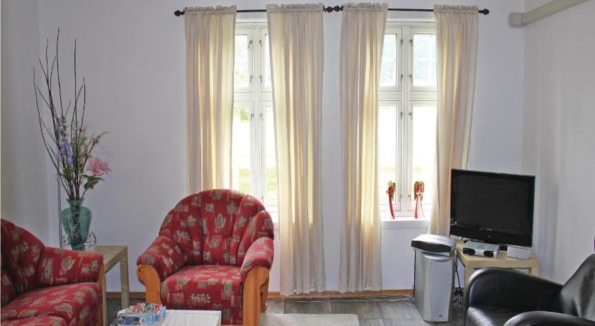 Two-Bedroom Holiday Home Holiday Home Kyrkjebøen 03