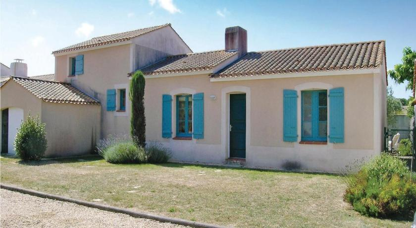 Four-Bedroom Holiday Home Holiday home St. Jean de Monts EF-866