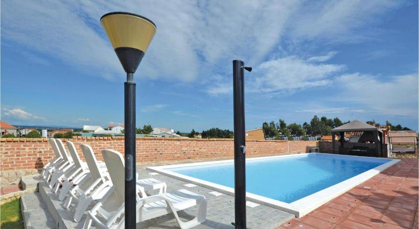 Piscina Apartment Nin 57