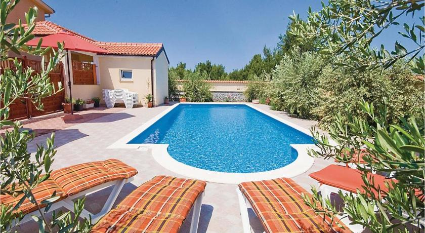 Swimming pool Holiday Apartment Vir 3