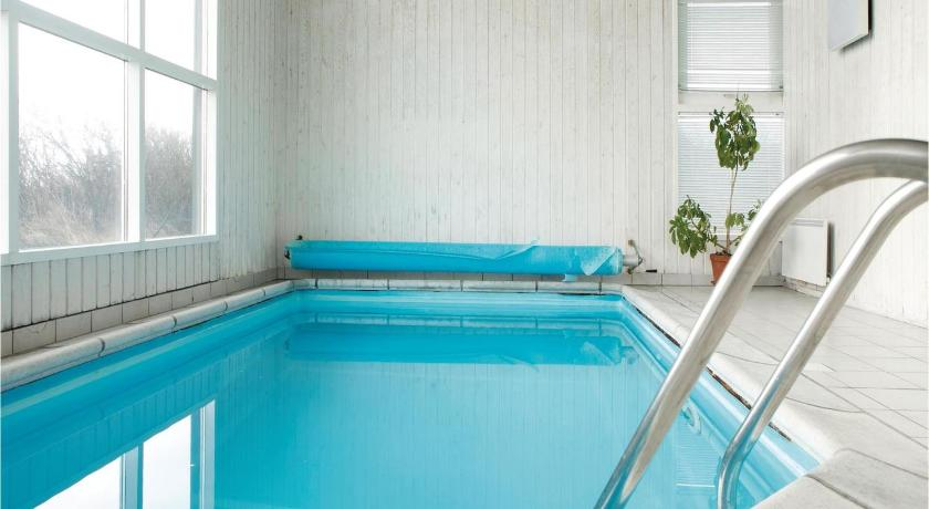 Swimming pool Holiday home Borgvej X