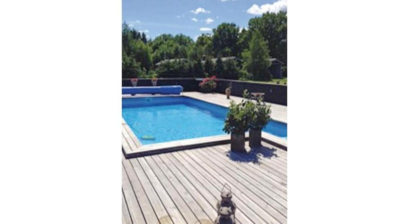 Swimming pool Holiday home Hals 7