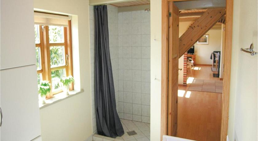 Lihat semuanya (25 foto) Holiday home Statenevej with fireplace and shower