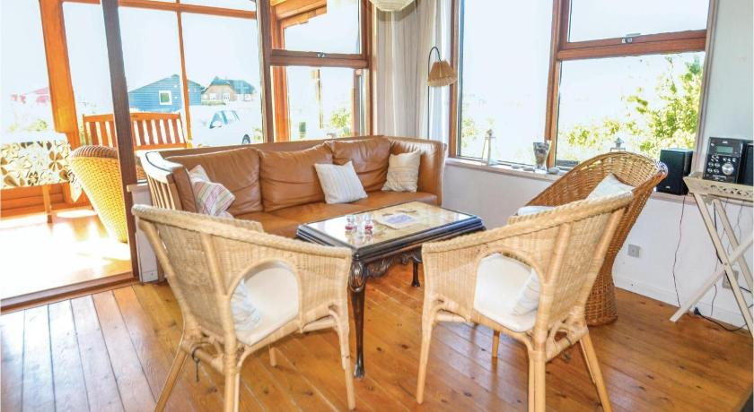 Three-Bedroom House Holiday home Tingodden IX