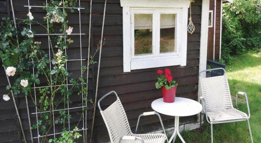 Hotelli välisilme Two-Bedroom Holiday Home in Huskvarna
