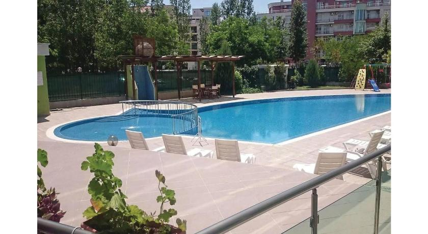 Басейн One-Bedroom Apartment in Sunny Beach