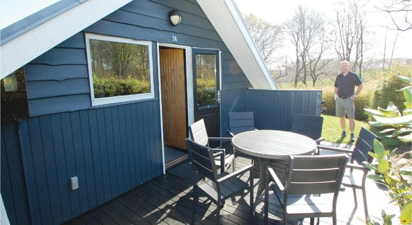 Vakantiehuis met 3 Slaapkamers - Buitenkant Three-Bedroom Holiday home Hejls with Sea View 08