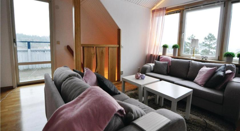 Vier Schlafzimmer Ferienhaus Four-Bedroom Holiday home with Sea View in Ljungskile
