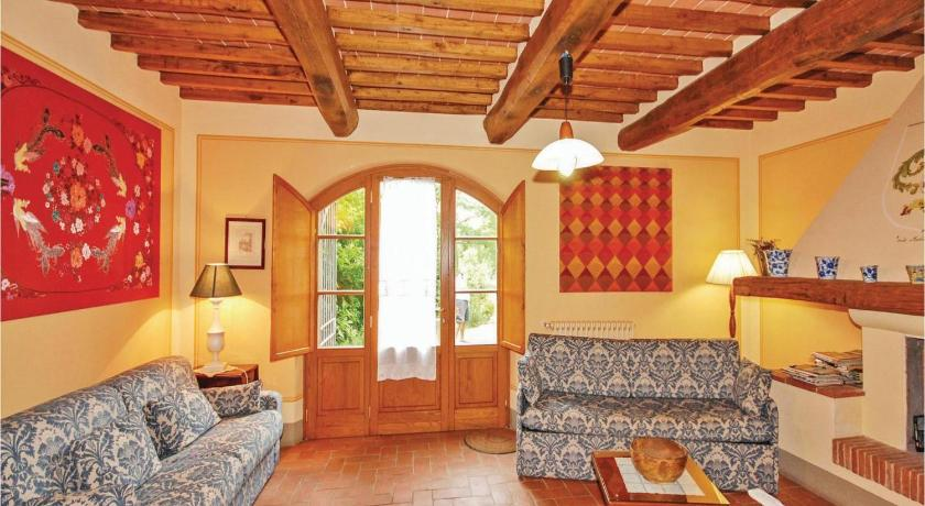 Three-Bedroom Apartment Corte Medicino 2