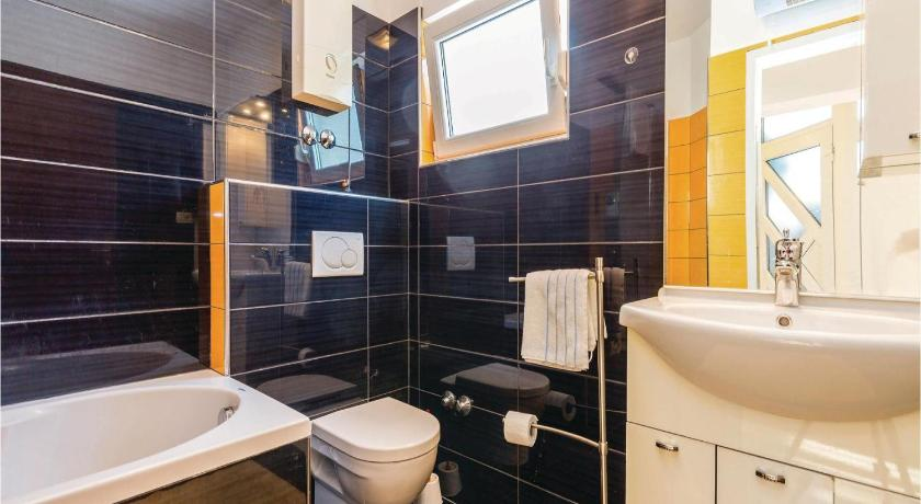Bathroom Studio Apartment in Kraljevica