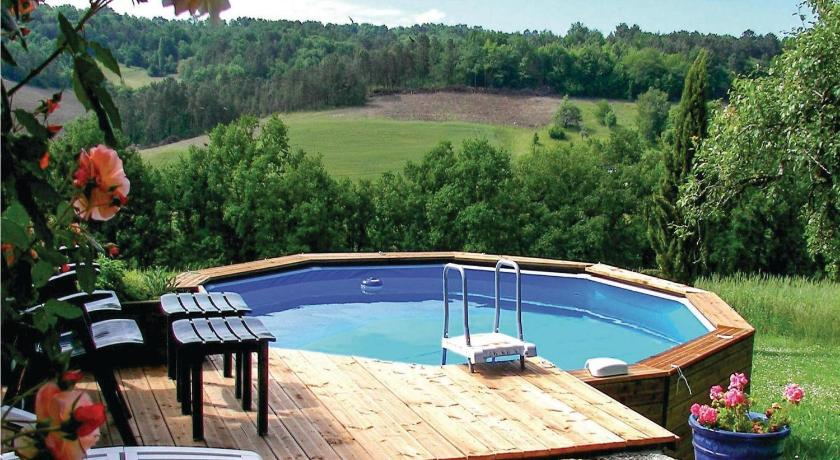 Swimming pool Holiday home Maison Neuve H-612