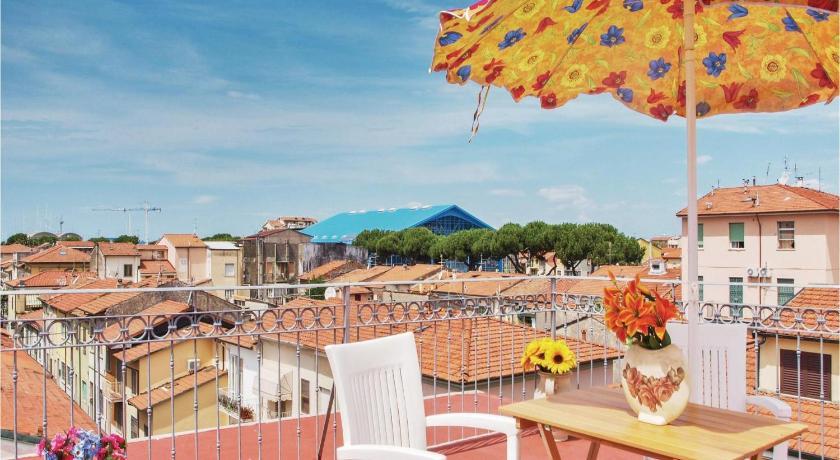 Best Price on La Terrazza sul Mare in Viareggio + Reviews