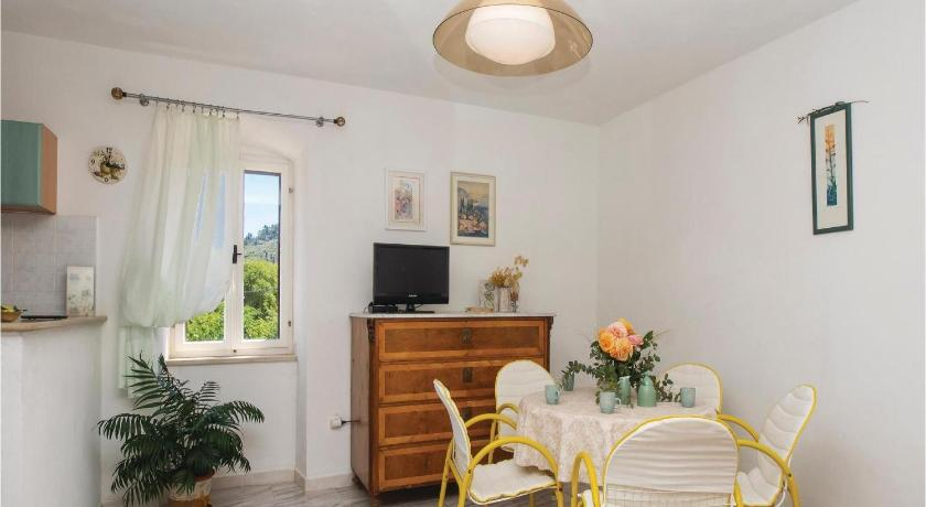 Alle 24 ansehen Two-Bedroom Apartment Dracevica 05