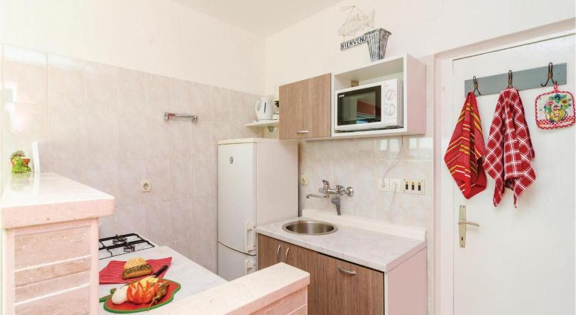 Three-Bedroom Apartment in Mlini