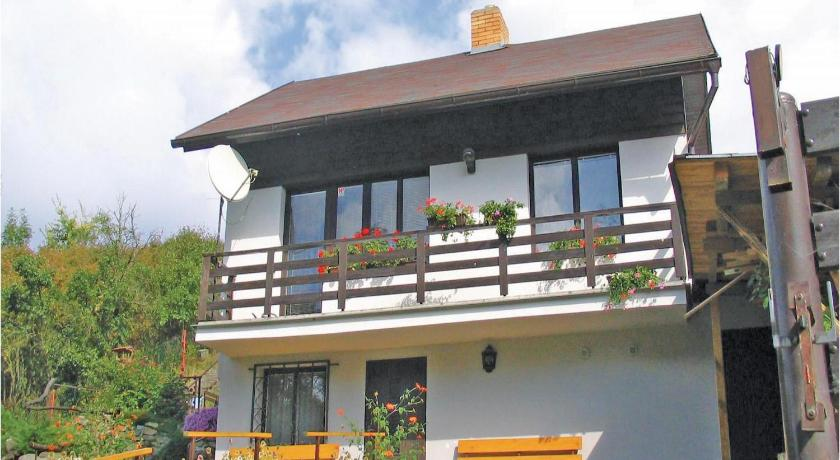 Holiday home Rabyne-Nedvezí