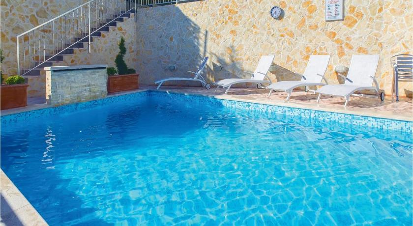 Swimming pool Apartment Podstrana 57