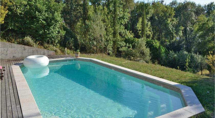 Swimming pool Three-Bedroom Apartment in St Paul de Vence