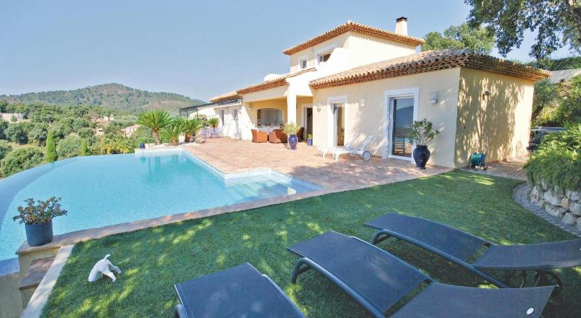 Swimmingpool Holiday home Sainte Maxime AB-1466