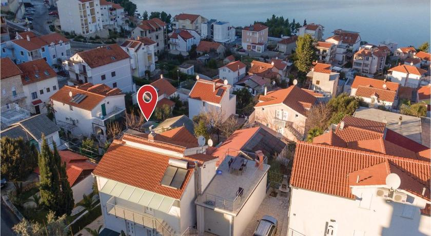 Apartment Trogir with Sea View 4