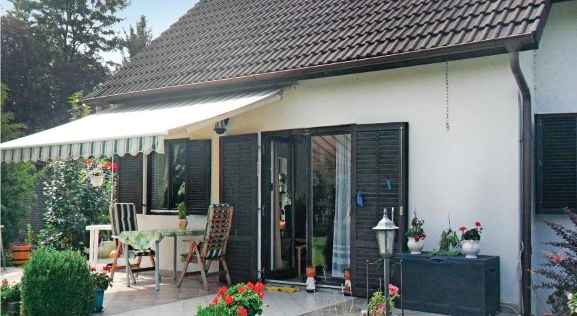 Holiday home Gárdony 78 with Outdoor Swimmingpool