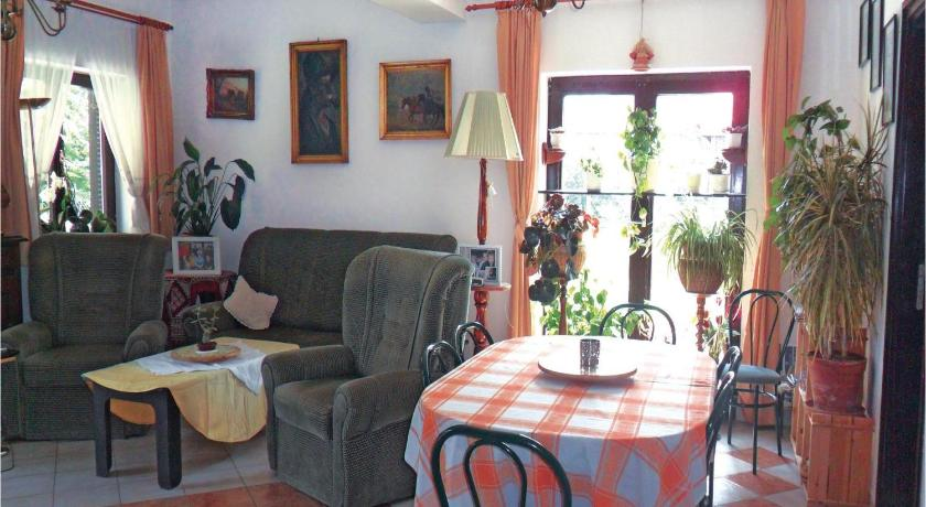 Three-Bedroom Holiday Home - Separate living room Holiday home Gárdony 78 with Outdoor Swimmingpool