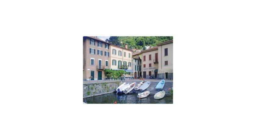 have Two-Bedroom Apartment 0 in Torno -CO-