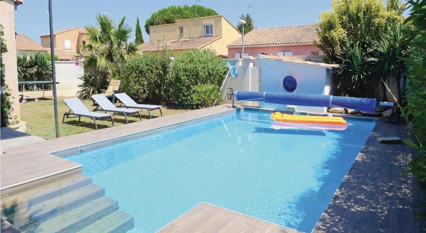 Swimming pool Holiday Home Aigues-Mortes 02