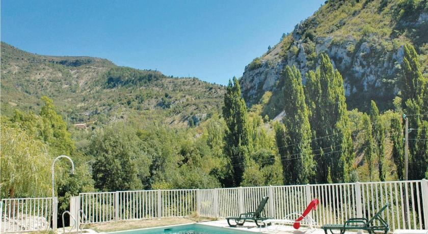 Holiday home Plaisians 84 with Outdoor Swimmingpool