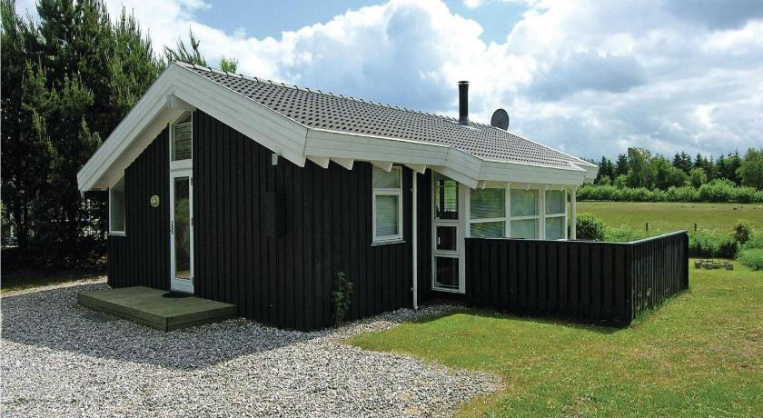Къща с 3 спални Holiday home Annavej Grenaa I