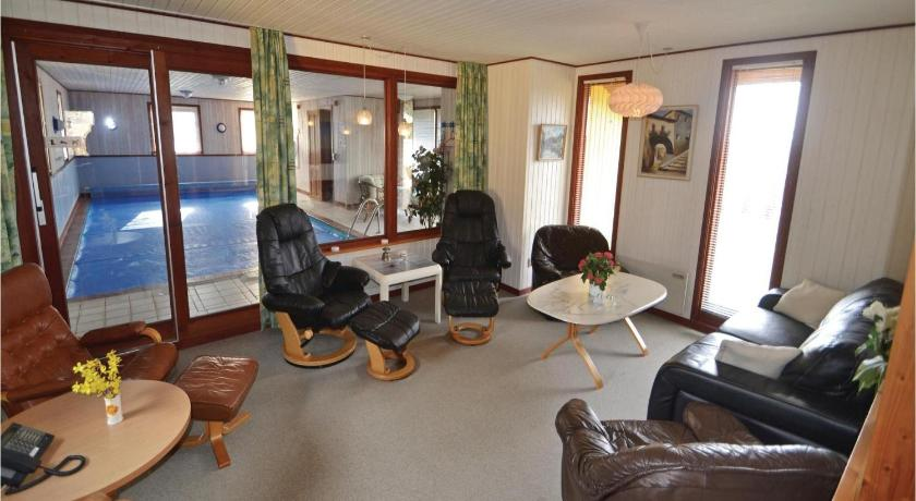 Four-Bedroom House Holiday home Langelandsvej