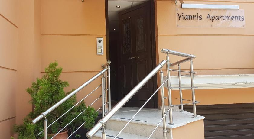 Intrare Yiannis Apartments