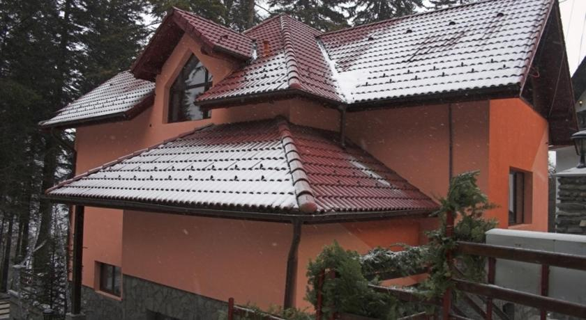 Cazare la  Villa Delmonte