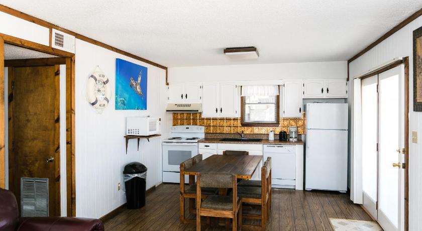 Best Price on Outer Banks Motel-Cape and Tower Cottages in Buxton ...