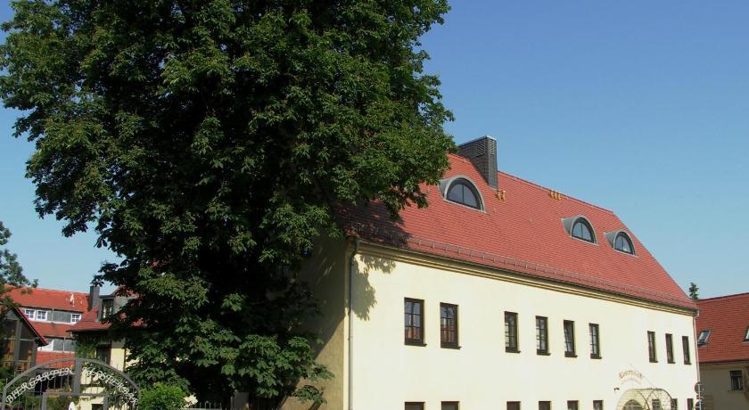 Best Price on Hotel & Restaurant Klosterhof in Dresden + Reviews