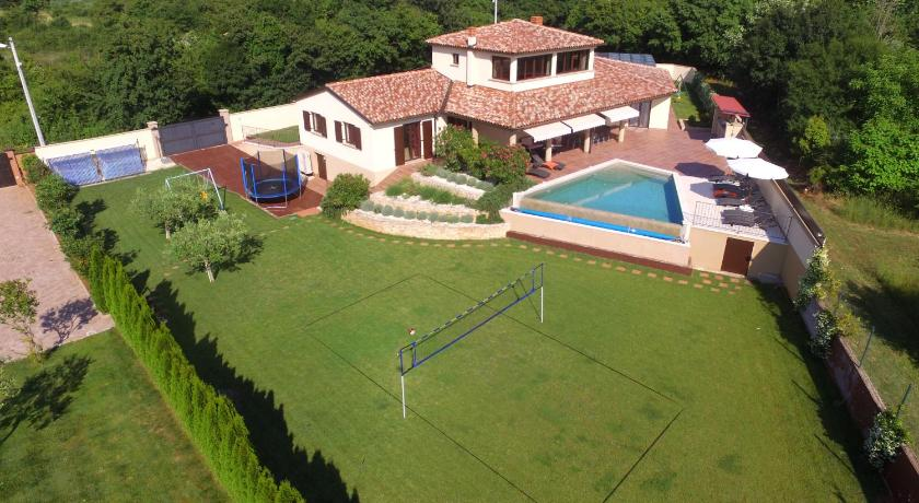 Four-Bedroom Holiday Home with Private Pool Holiday Home Andrea