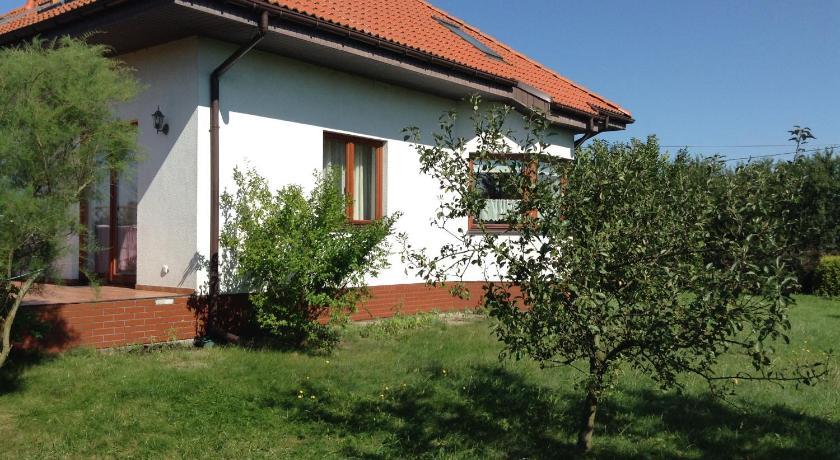 Haus mit garten  Haus mit Garten | Book online | Bed & Breakfast Europe