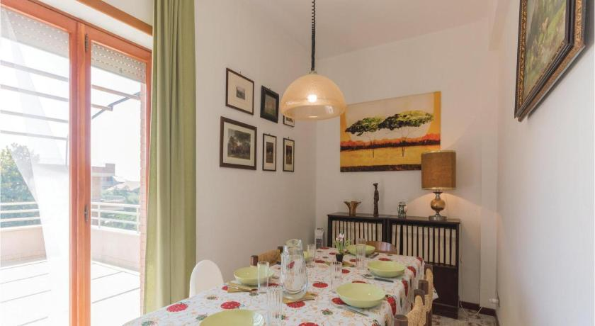 Three-Bedroom Apartment - Separate living room Three-Bedroom Apartment Lavinio Lido Enea -RM- 0 06