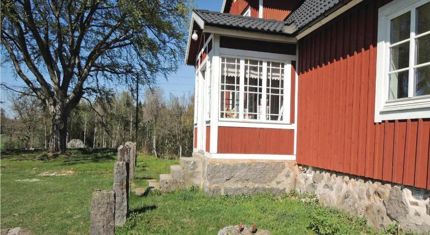Three-Bedroom Holiday Home Holiday home Stora Bökön L-945