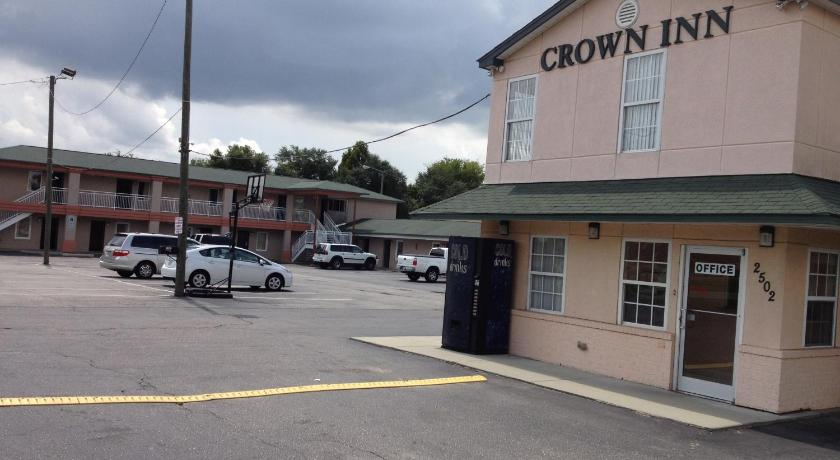 More about Crown Inn - Fayetteville
