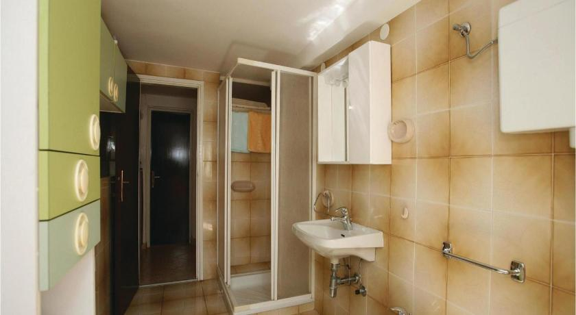 Bathroom Apartment Kapelica Cr
