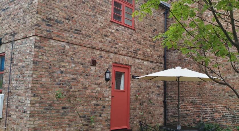C Farmhouse Accommodation York