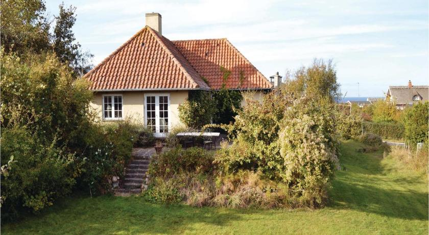 Three-Bedroom Holiday home with Sea View in Vejby
